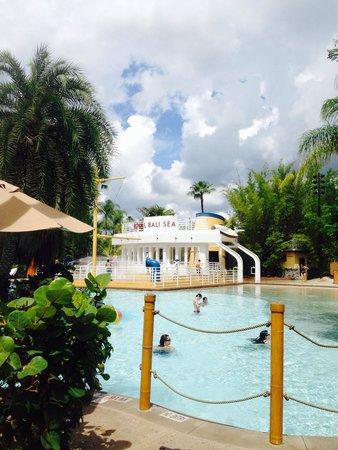 Loews Royal Pacific Resort at Universal Orlando: The water play area