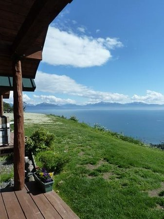 Alaskan Suites: view of the bay from behind our cabin