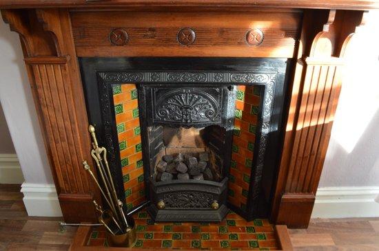 Ellerbrook House : Victorian fire place