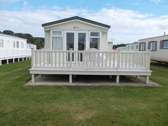 Hoburne Blue Anchor : relaxing caravan