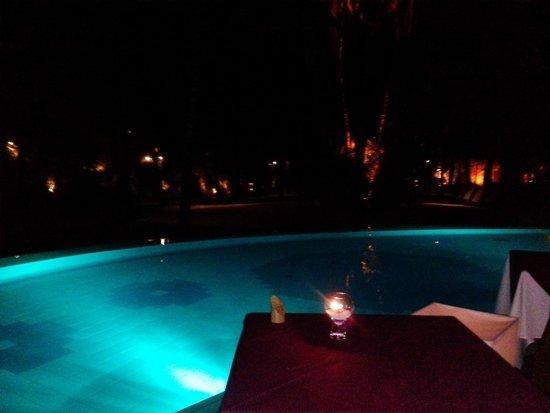 Canonnier Beachcomber Golf Resort & Spa: Piscina centrale