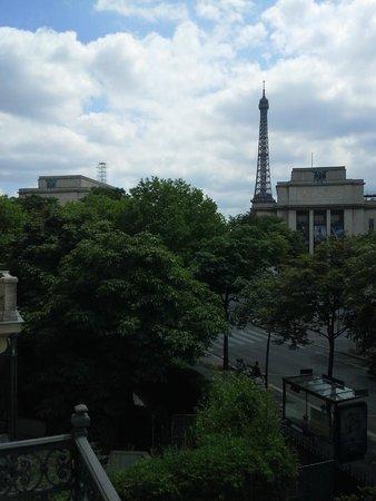 La Reserve Apartments Paris: View from Living Room