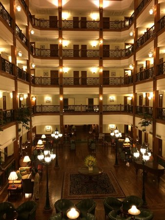The Oberoi Cecil, Shimla: Hotel's lobby that reminded me of Titanic.