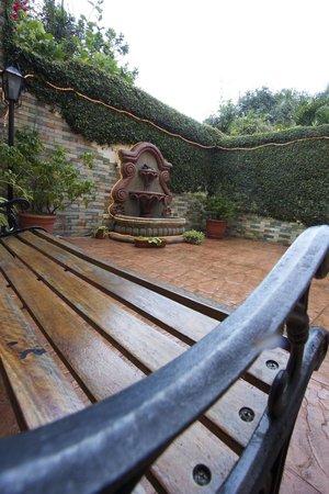Comfort Hostel: Garden 1
