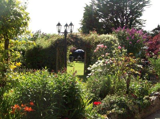 Royal Oak Farm: gardens