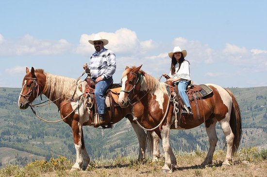 Wild West Rafting : Horseback riding with WWR!