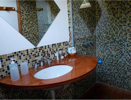 Wesley Hosteria Boutique: Baño