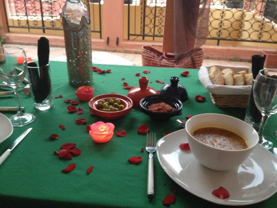 Riad Suliman : dinner on the roof terrace