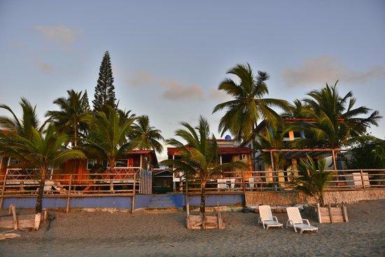 Cabanas Isla del Sol: Foto desde la playa, atardecer