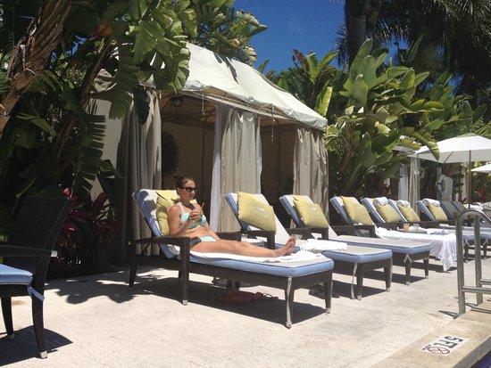 Cheeca Lodge & Spa: Adult pool chaise and cabanas