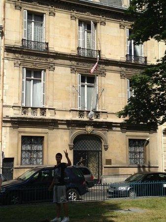 Ricki Stevenson's Black Paris Tours: The Liberian Embassy