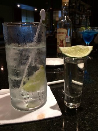 Valentin Imperial Maya: Drinks (grey goose & sprite and a shot of Cassadores tequila