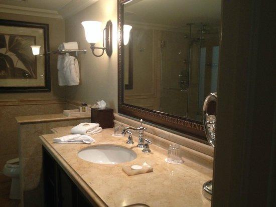 Cheeca Lodge & Spa: double sinks