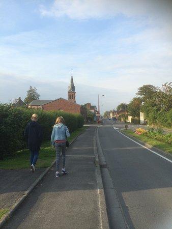 Adonis Les Hauts de Honfleur : The way to the village