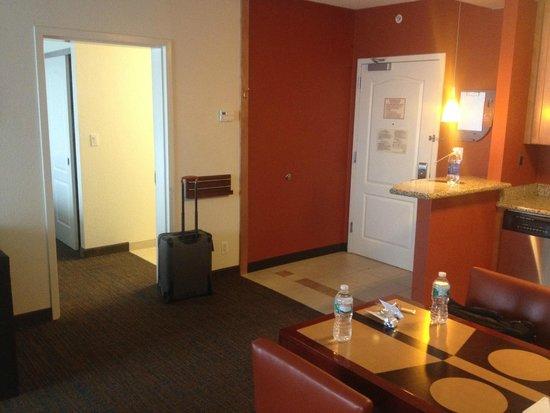 Residence Inn East Rutherford Meadowlands : 2 Bedroom Suite - Entryway