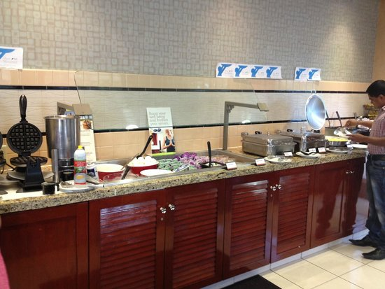 Residence Inn East Rutherford Meadowlands : Hotel Lobby - Social/Eating Area