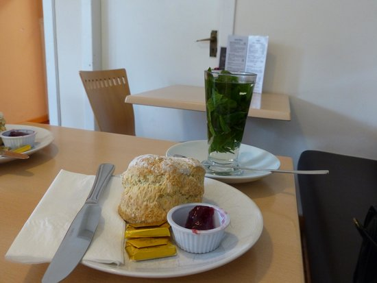 The Old School Beauly: Plain scone and fresh mint tea.