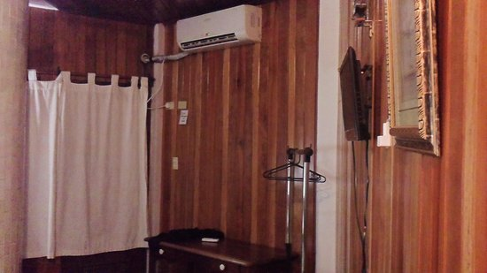 Hotel and Restaurant Sherwood: Airconditioning and rack