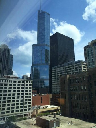 Hyatt Place Chicago / River North: View of Trump Tower from 9th floor of Hyatt Place