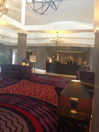 Portmarnock Hotel and Golf Links: Hotel Lobby