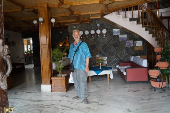 Hotel Stupa: My partner in the welcoming foyer
