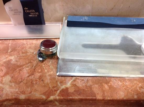 Caleta Hotel: toilet flush broken