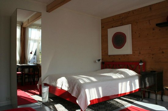 Alkoven Guesthouse: The Red room, double bed