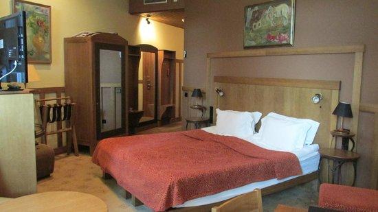 Best Western Santakos Hotel: Удобная кровать