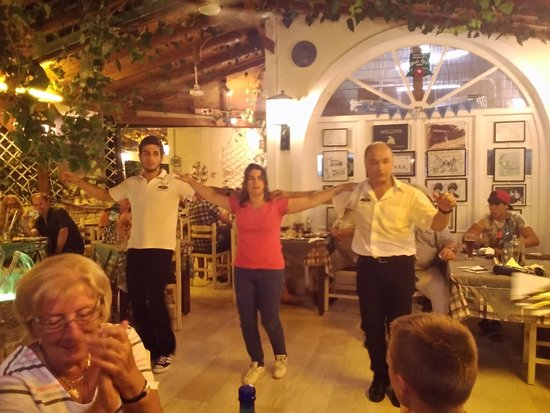 Roda Park Restaurant : Greek night!
