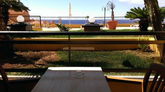 Hotel Cais da Oliveira: Vue de la terrasse de la chambre