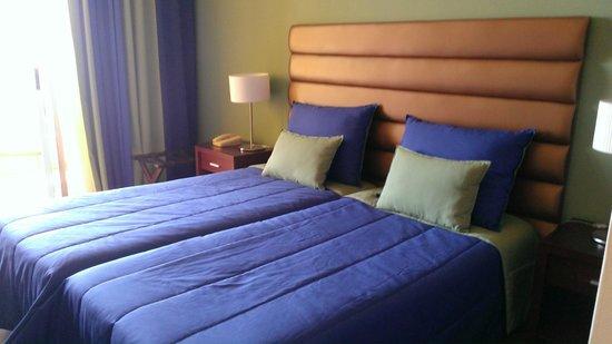 Hotel Cais da Oliveira: La chambre sans wifi mais wifi gratuit à l'accueil
