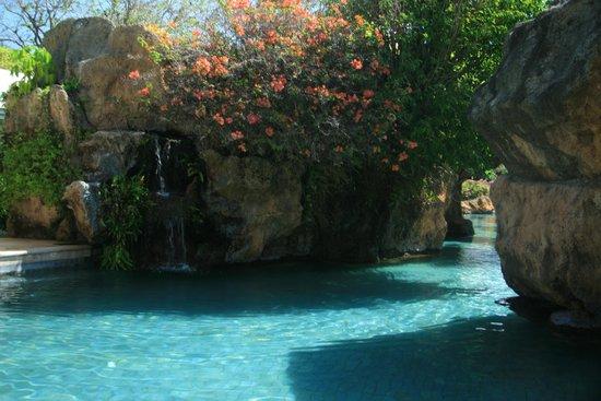 Grand Hyatt Bali: Lazy floating lagoon pool