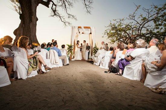 Hotel Riu Guanacaste : wedding on the beach
