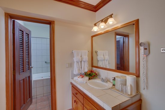 SunBreeze Hotel : Premier room bathroom