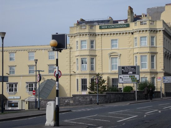 New Continental Hotel: Front of the hotel, Millbay Road