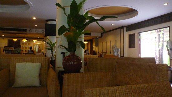 Salad Buri Resort & Spa: Recepción