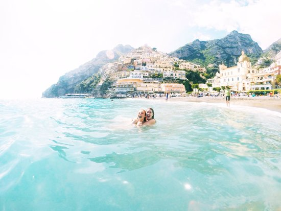 Ostello Brikette : the gorgeous beach and cliffside in Positano!