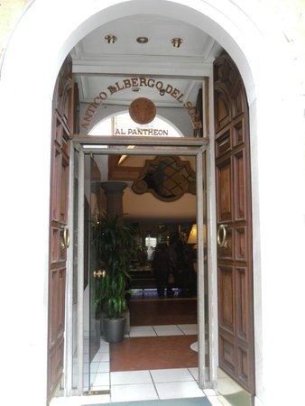Albergo del Sole Al Pantheon : front entrance