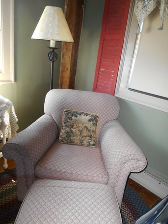 Inn by the Bandstand : comfy chair in room to read