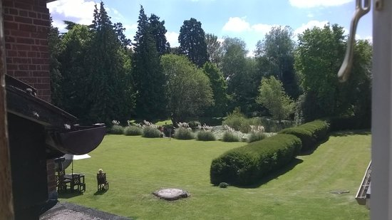 Mercure Shrewsbury Albrighton Hall Hotel and Spa: the view from our bedroom window