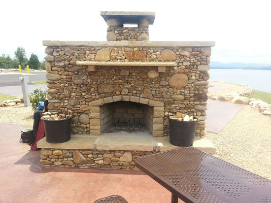 Anchor Down RV Resort: Our fireplace at sight #61