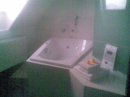 Sorell Hotel Rütli: Erlebniszimmer mit Whirlpool
