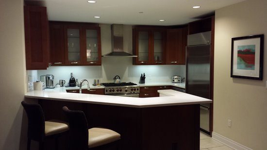 Hyatt Siesta Key Beach Resort, A Hyatt Residence Club: Kitchen in unit 607