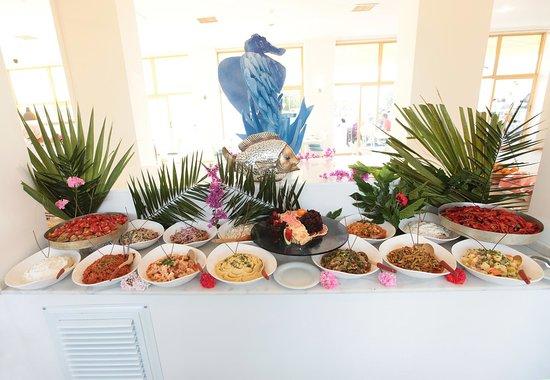 Arora Hotel: buffet
