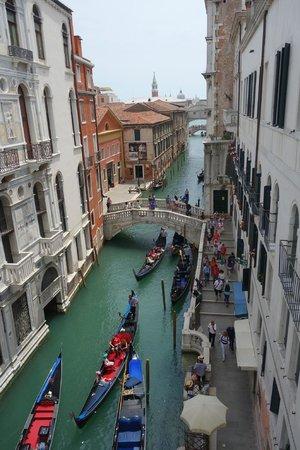 Hotel al Ponte dei Sospiri: Vista do nosso quarto!!!!!!!!