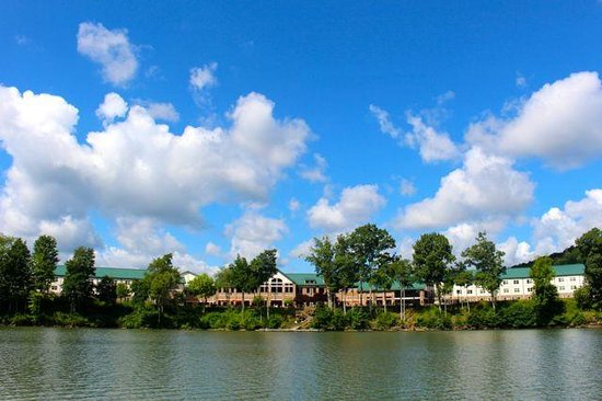 Stonewall Resort: This is the resort from the lake.