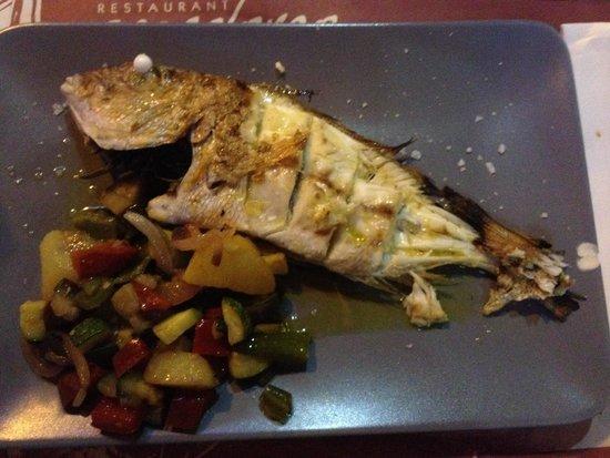 Restaurant Pez Colorao : Grilled fish Рыба на гриле