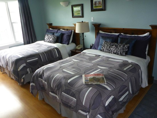Antigonish Evergreen Inn: Stylish linens