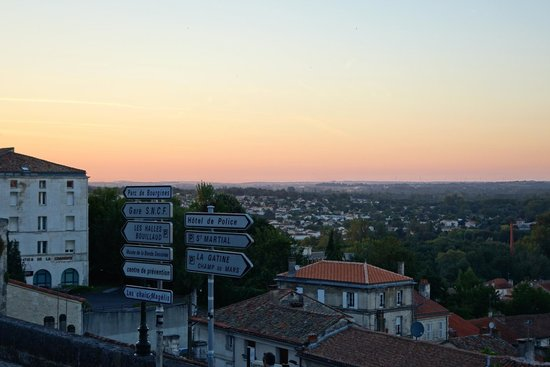 Mercure Angouleme Hotel de France : The Sun Set