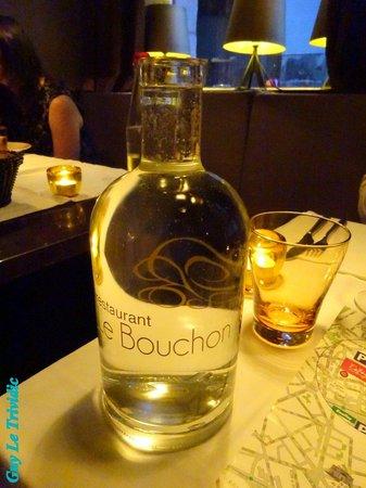 LE BOUCHON- : une bouteille d'eau